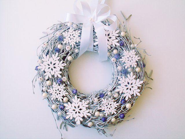 Wianek Świąteczny Płatki Śniegu z Fioletem
