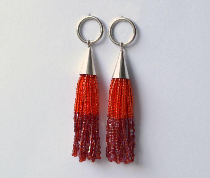 Fransen Ohrringe aus Glasperlen und Silber 925  von Donauluft auf Etsy https://www.etsy.com/de/listing/227936282/fransen-ohrringe-aus-glasperlen-und