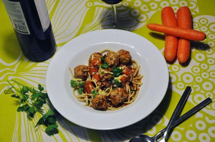 Boller i tomatsauce, Lidt som Lady & Vagabonden spaghetti med kødboller