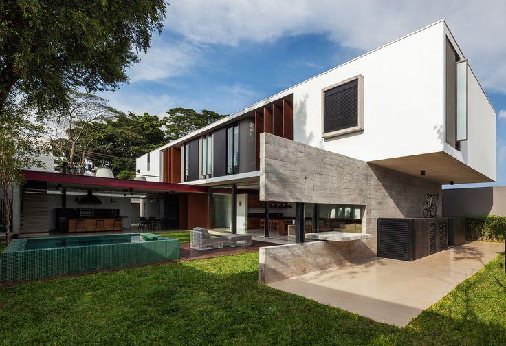 Casa Planalto / Flavio Castro