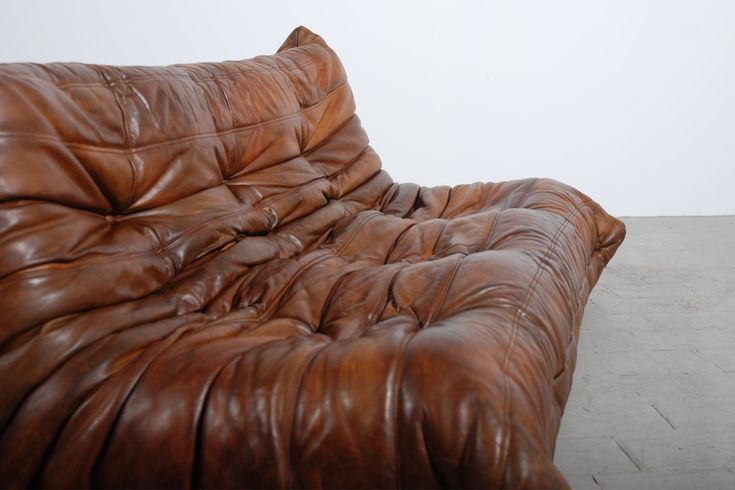 canap togo cuir michel ducaroy ligne roset boutique vintage s 39 assoir pinterest notre. Black Bedroom Furniture Sets. Home Design Ideas