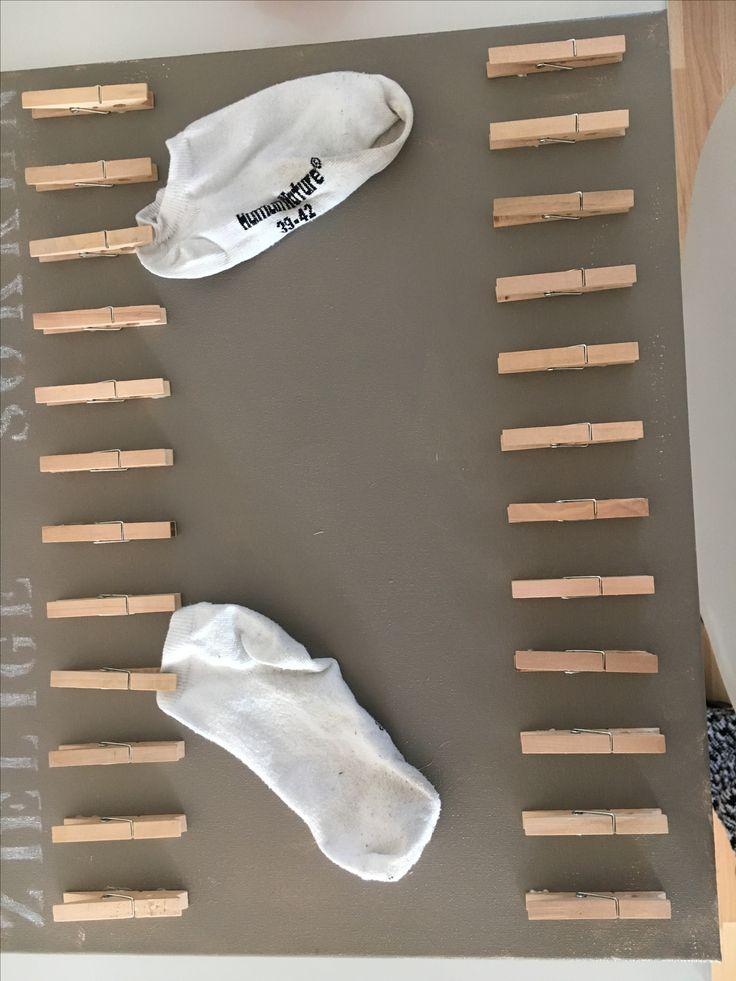 Losse sokken bij elkaar zoeken