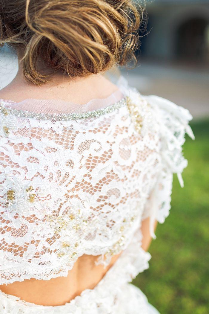 Modern and romantic details of Nella's Ioannou wedding dress#hairstyling:Hliana Pantazi#photography:STUDIO FOUSEKIS