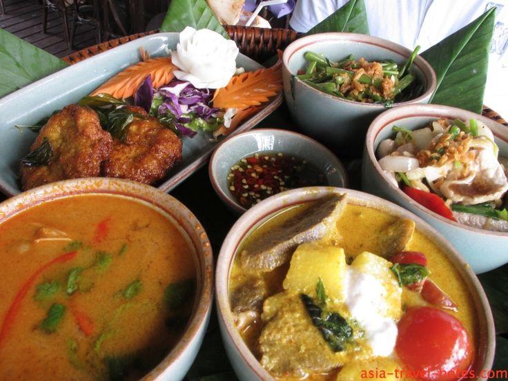 Traditional Kantoke at Poppies Restaurant #koh samui #thailand