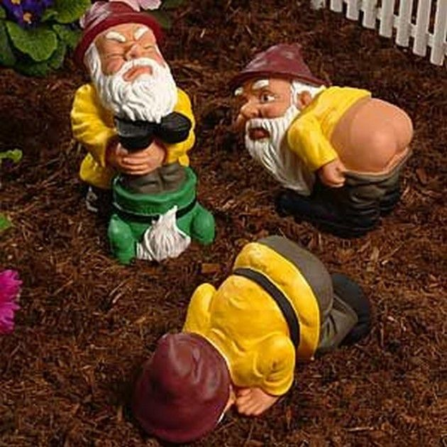 Strange and Unusual Garden Gnomes (18 Pics) Hahaha I want these!!