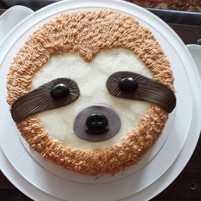 This sloth cake by @sugar.and.strength is just too adorable! #youmakeitamazing · · · #birthdaycakes #wilton #sloths #slothcakes #chocolatecake #vanillacake #iwantonenow #bakery5nine #cakestagram #fondant #bakingbuildsthebiceps #cutestcakeever #youmakeitamazing via @sugar.and.strength