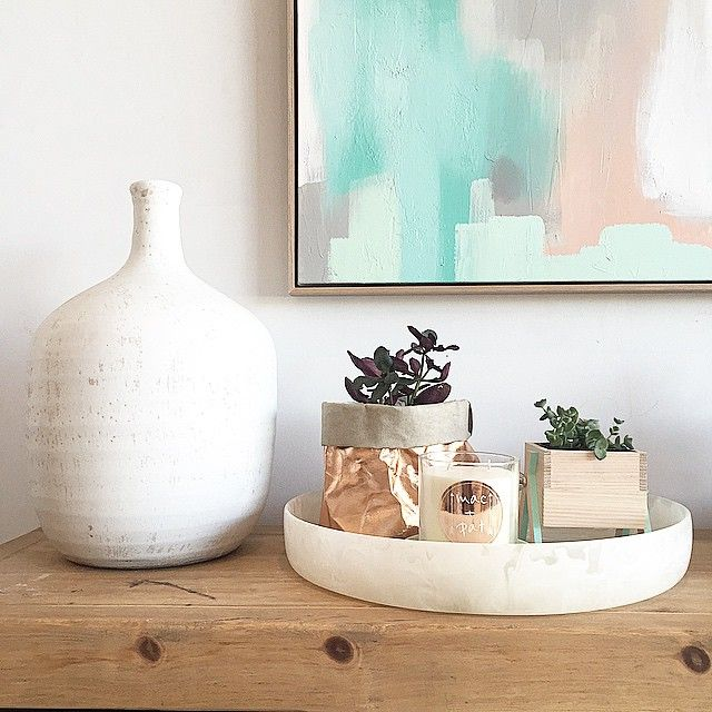 Stunning picture of our Rosegold Collection #macandpat #macandpatcandles #soycandle #candleinspo #uashmama #uashmamabag #rosegold #scentedcandle #washablepaperbag #resin #indoorplant #pastelstyling #timberconsole #softcolourpalette #mothersday #giftidea #homewares #onlinehomewares
