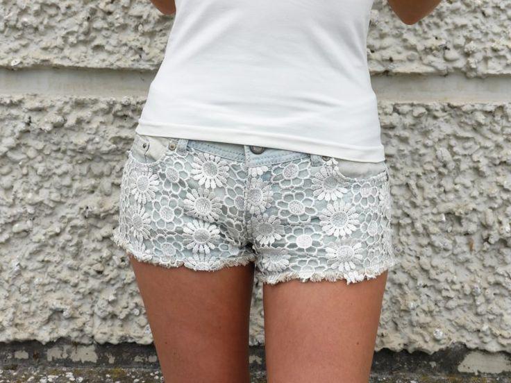 Jeans Hotpants Damen Spitze weisses Top