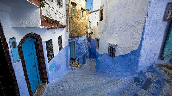 Chefchaouen, Maroko http://life.ihned.cz/cestovani/c1-55139730-zlute-modre-ruzove-podivejte-se-na-nejbarevnejsi-mesta-sveta