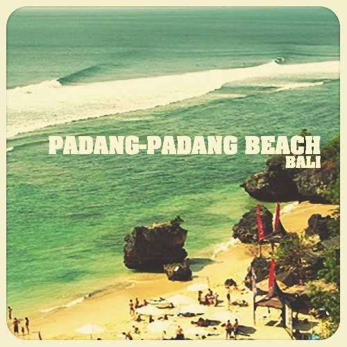 Bali yang terkenal dengan objek wisata pantainya yang indah, salah satu pantai berpasir putih lainnya adalah Pantai Padang-padang, terletak di Desa Pecatu, Kuta Selatan, Badung. Kalau kita menuju ke Uluwatu pantai yang pertama kita temui Balangan, Dreamland kemudian Pantai Padang-padang.