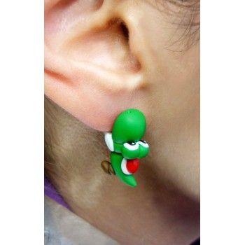 Yoshi Bite Ears, fimo, handmade,hecho a mano,polymer clay,come orejas,earrings,dinosaurio,mario,nintendo,dinosaur,