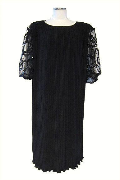 Abito Katerine Lindsay vintage nero anni '90 in plissé di poliestere New York / Katerine Lindsay vintage dress. www.etsy.com/shop/ambrarosevintage #katerinelindsay