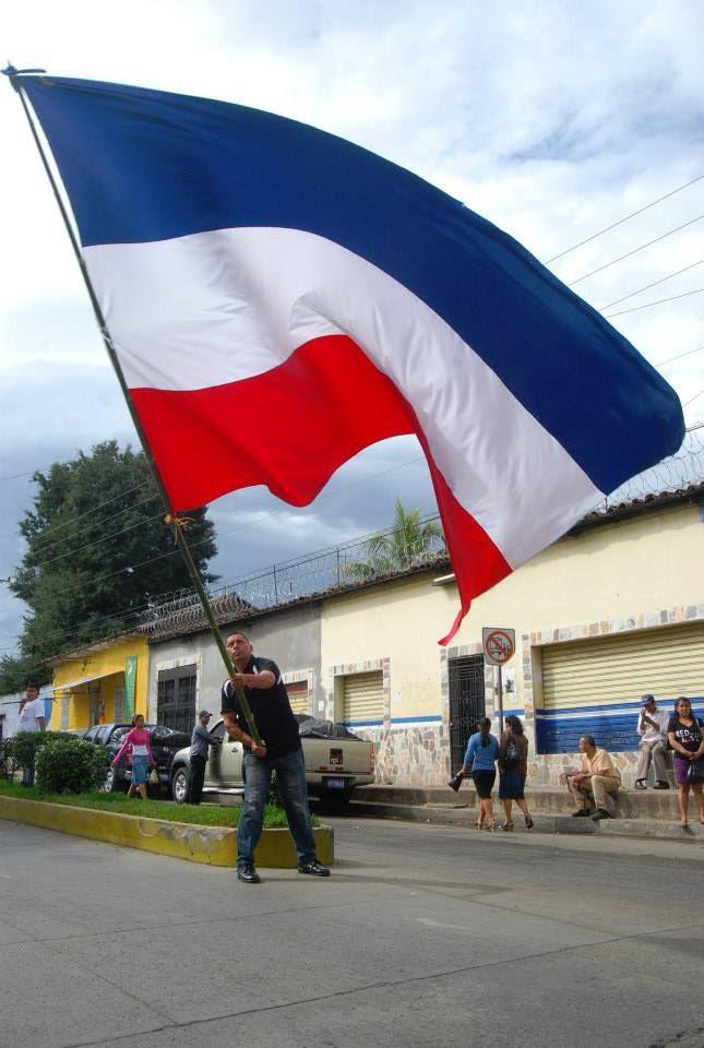 Norman Quijano futuro Presidente de El Salvador en su visita a Chalchuapa.