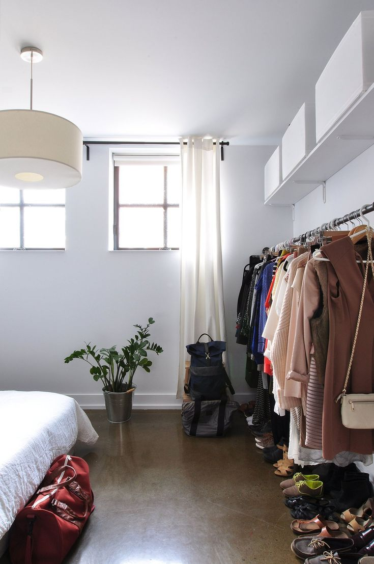 Danielle's Modern Vintage Industrial Home Recently, Eleanor wrote a great three-piece series on capsule wardrobes, and I have several other friends who swear by them. I love the idea of paring down my closet and working within a limited set of beloved options, but it also got me thinking—how can I translate the concept to my decor?