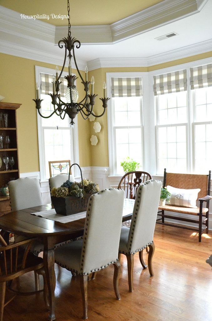 Best 25 yellow dining room ideas on pinterest yellow for Yellow dining room ideas