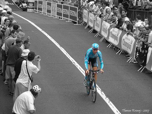 https://flic.kr/p/4bMXgM | Contre la montre - Tour de France Albi 2007 | Colorisation selective sous The Gimp