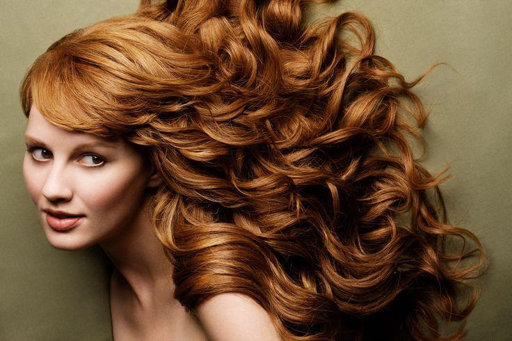 У вас начали сильно выпадать волосы? Прическа сильно поредела? Воспользуйтесь проверенным рецептом восстановления волос в домашних условиях! Всего 2 простых ингредиента превратят ваш шампунь в средство, полное витаминов! Попробуйте. Вы знаете, что является причиной выпадения волос? Эксперты говорят, что выпадение волос связано с различными факторами, такими как стресс, беременность, менопауза, потеря веса и т.д.  …