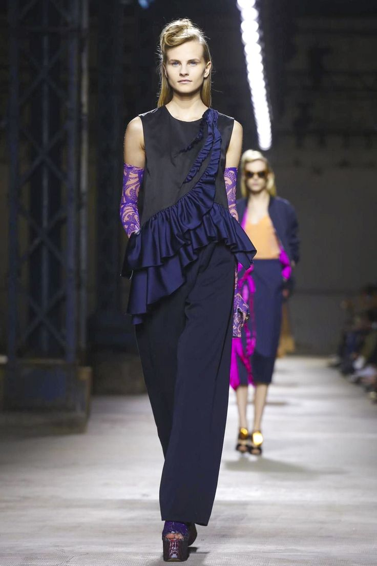 Dries Van Noten Show Ready to Wear Collection Spring Summer 2016 in Paris
