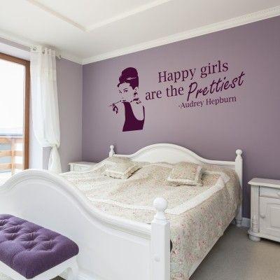 """Adesivo Murale - Audrey Hepburn.  Adesivo murale di alta qualità con pellicola opaca di facile installazione. Lo sticker si può applicare su qualsiasi superficie liscia: muro, vetro, legno e plastica.  L'adesivo murale """"Audrey Hepburn"""" è ideale per decorare la camera da letto. Adesivi Murali."""