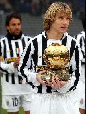 Pavel Nedved, jugador checo, en el año 2003, fue premiado por la revista France Football con el Balón de Oro y en 2004 fue incluido en la lista de Futbolistas FIFA 100.