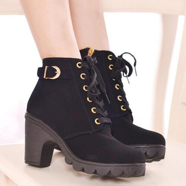 Botas femininas Moda Botas mulheres bombas plataforma Lace Up Grossas botas curtas de salto Alto sapatos de fivela botas de salto alto tornozelo mulher