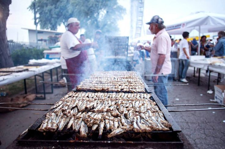 Molo Street Parade 29/06/2013 Dance music and grilled sardines!