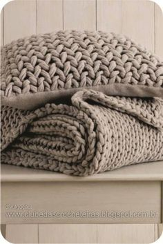 CLUBE DAS CROCHETEIRAS: almofada de crochê