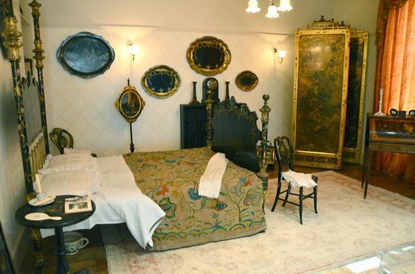 Lady's Bedroom, Bantock House
