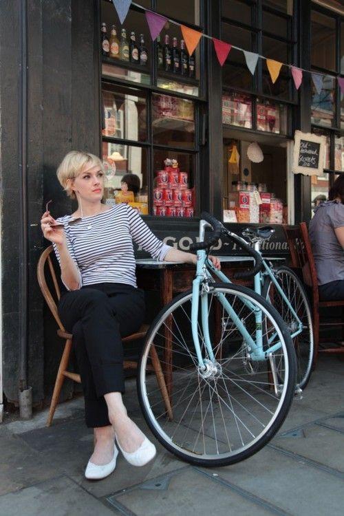 Enjoy Bicycle Girls | Shared from http://hikebike.net #chick #bike