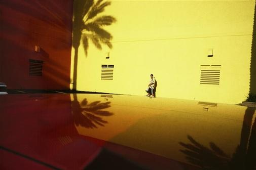 Constantine Manos USA. American Color - USA. Fort Lauderdale, Florida.  2001.