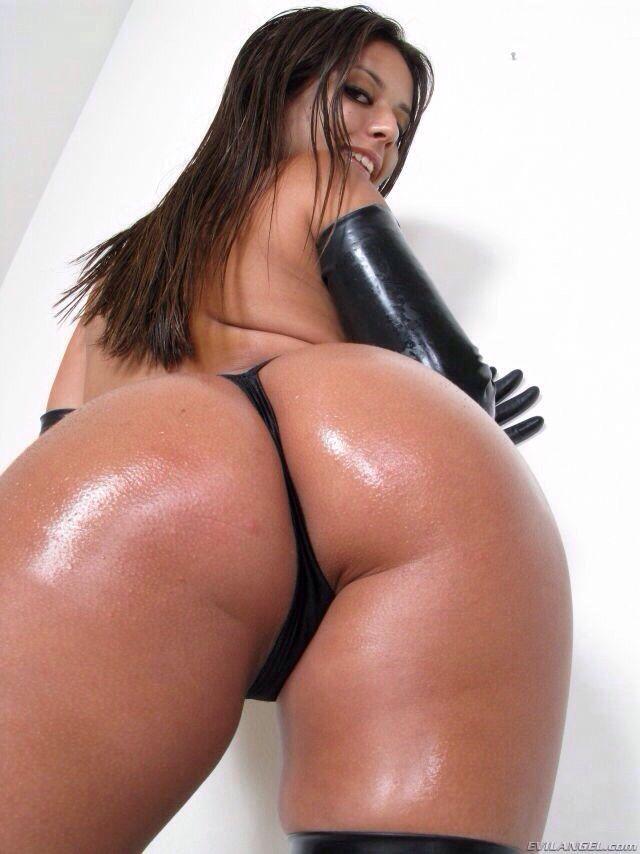 booty xxx girls Big latina