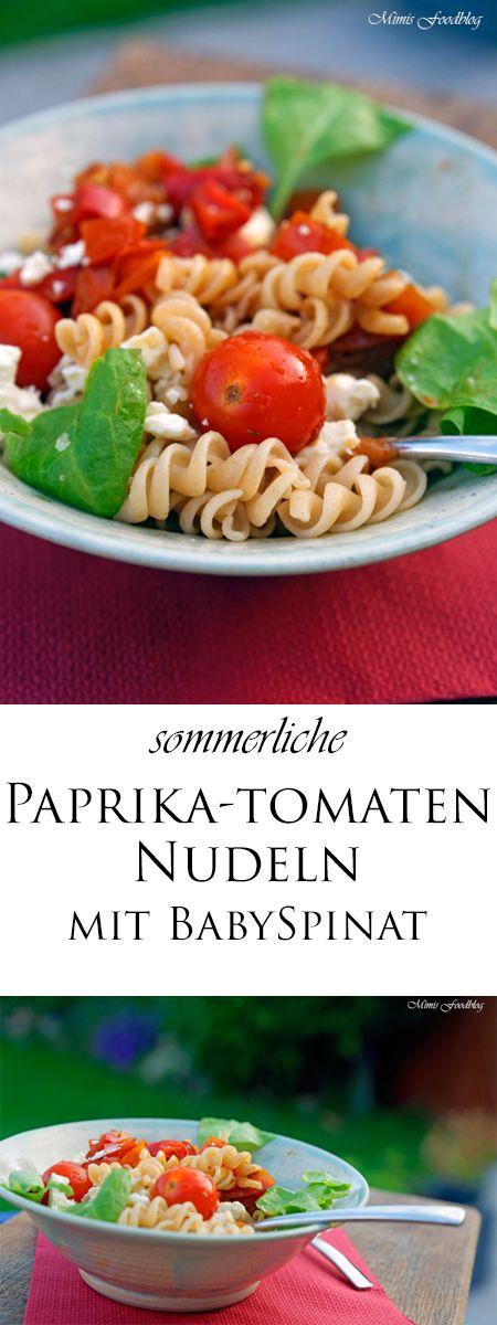 Die sommerlichen Paprika-Tomaten Nudeln mit Babyspinat sind eine leichte und leckere Vollkorn-Pasta. Die Nudeln schmecken leicht mediterran.