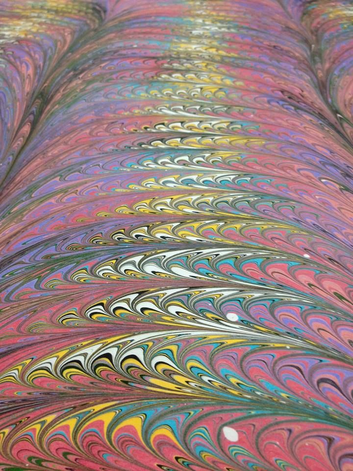 Marbled paper by Luciene Fávero.