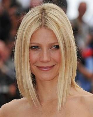 "Gwyneth Paltrow's Long Bob haircut - stylist says to ask for a ""blunt cut that falls just above the shoulders and has absolutely no layers, then thin out the ends with scissors or razor so they look slightly jagged.""  This hairstyle is parted in the middle and the cut is slightly shorter in the back.: Hair Ideas, Haircuts, Hair Styles, Makeup, Hair Cut, Bob Hairstyles, Long Bobs, Beauty"