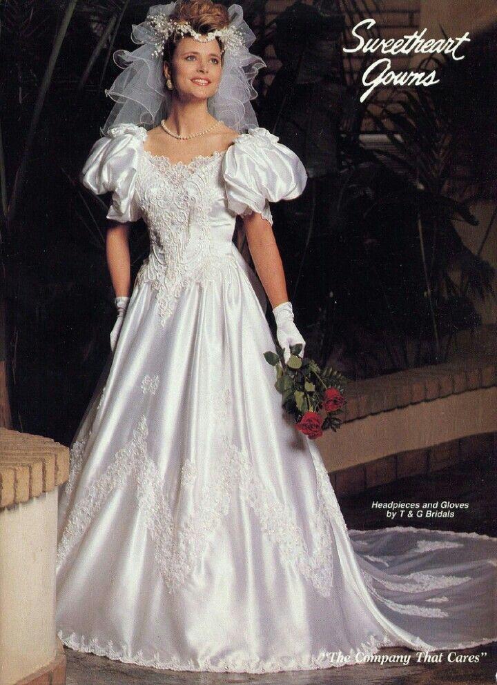 586 best brautkleider images on pinterest short wedding gowns wedding frocks and sleeve. Black Bedroom Furniture Sets. Home Design Ideas
