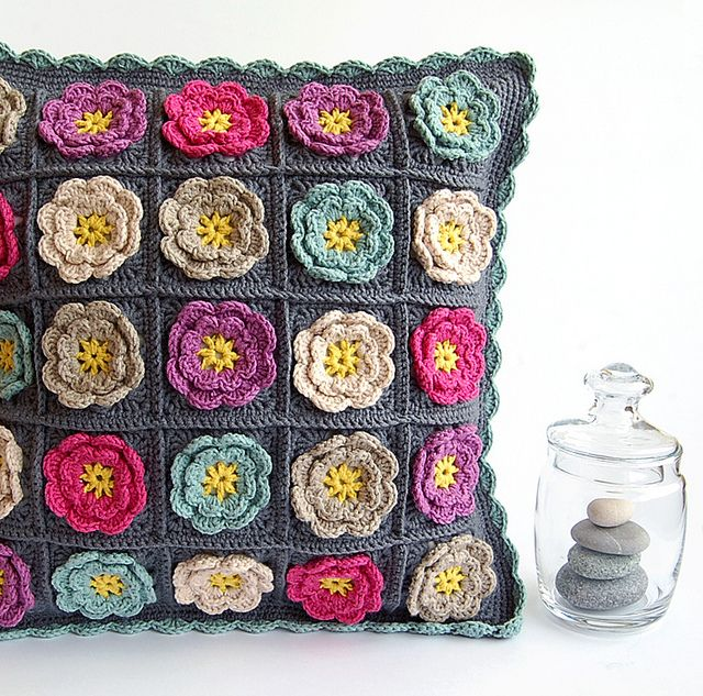 Crochet granny square pillow by dada's place, via Flickr