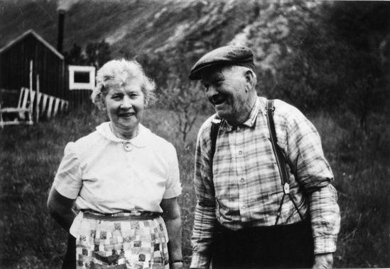 DigitaltMuseum - Julie Kristine, f. Glad (1893-1976) og Kristian Kristiansen (1893-1974) , Blokken i Sortland.