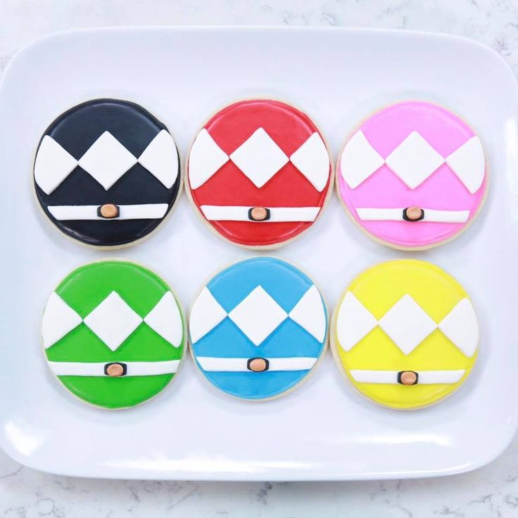 Ro's Power Ranger Cookies http://youtu.be/_NejLPyV6YE #nerdynummies