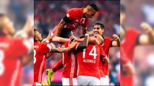 Haber turu: Bayern Münih ilk haftadan acımasız Almanya'da son dört yılın şampiyonu Bayern Münih Bundesliga'nın açılış maçında bile zirvenin adeta başka adayı olmadığını gösterdi. Bavyera ekibi yeni teknik direktörü...