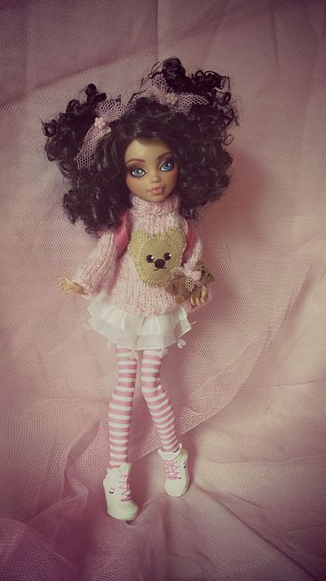 """Monster High """"Teddy Joelle """" Howleen Custom by kaki2501, via Flickr  (teehee I knitted that jumper ;) )"""
