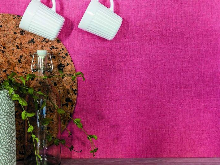 Pretty in Pink! Knallige Tapete aus der Swing Kollektion von Caselio. Wirz Tapeten - www.wirzwelt.ch