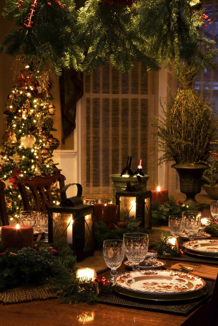 Love the subdued lighting in this setting...an Intimate and Romantic Christmas Dinner
