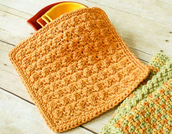 I love this textured dishcloth! So quick to make and it looks really cool.