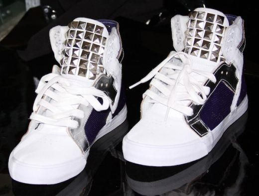 Фиолетовые кроссовки джастина биьера