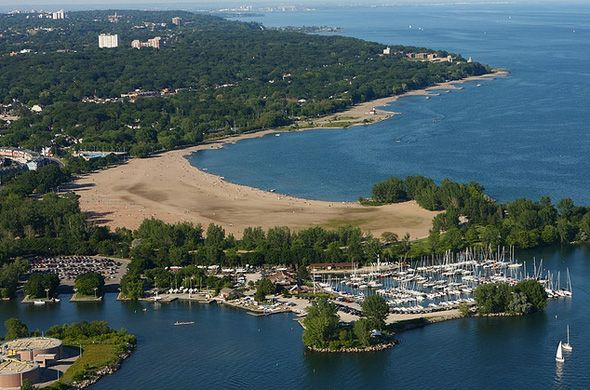 Ashbridge's Bay (Lake Shore Drive & Coxwell) - a charming little peninsula trailing further towards the southwest end of the beach