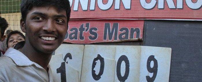 Sachin Tendulkar gifts his bat to world record holder Pranav Dhanawade « ICC T20 Cricket World Cup 2016