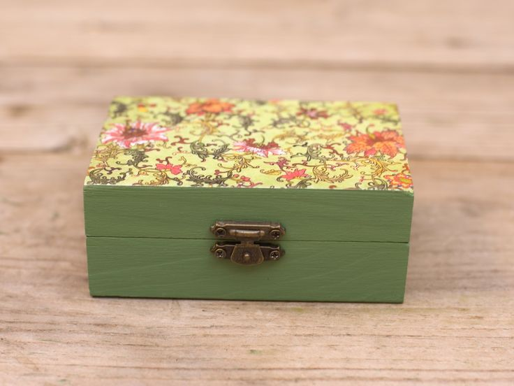 Handmade decoupage wooden trinket / jewelry box - green floral by Gurdey on Etsy