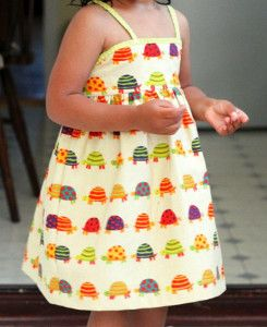 Simple Summer Dress for Girls | Treat your little princess with this adorable and easy dress pattern!