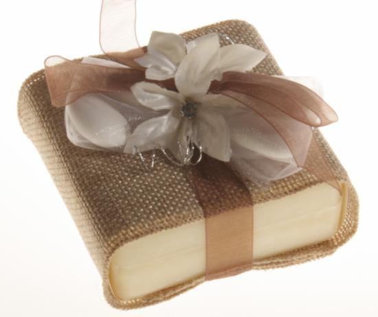 saponetta profumata con rivestimento in juta bomboniera - sapone naturale sapone naturale,juta,nastri e fiori di stoffa assemblaggio artigianale