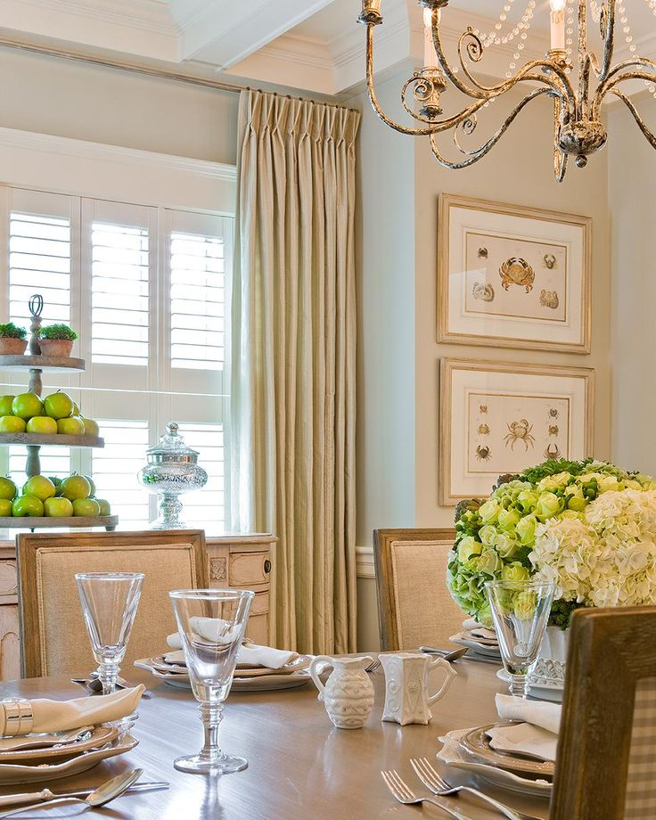 Traditional Design: 15 Ways to Give Your Home Timeless Style | Interior Design Styles and Color Schemes for Home Decorating | HGTV >> http://www.hgtv.com/design/decorating/design-101/traditional-design--15-ways-to-give-your-home-a-tried-and-true-s-pictures?soc=pinterest